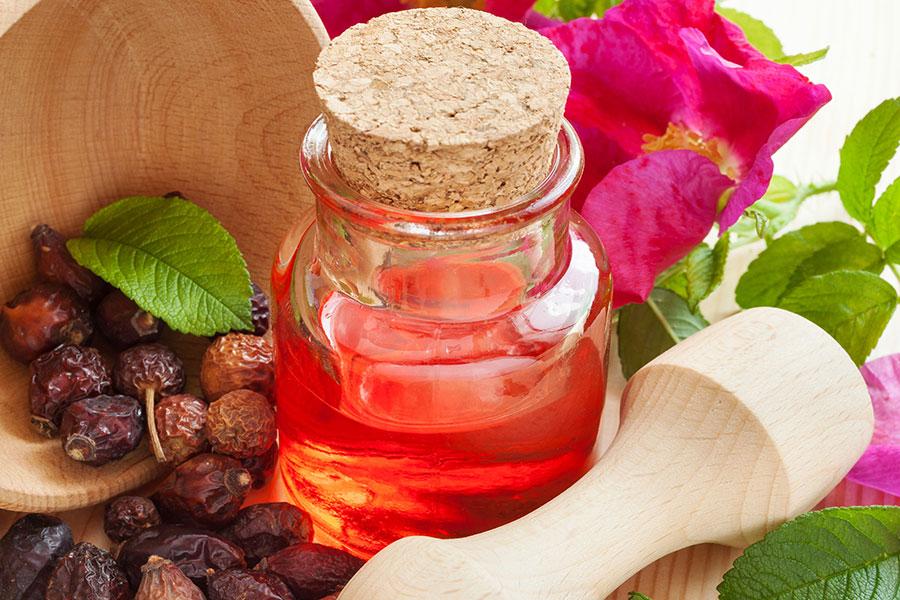 8 تهیه روغن میوه گل رز