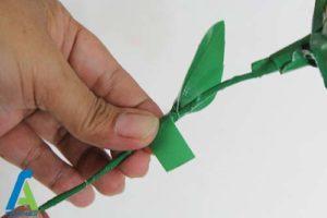 11 طرز ساخت گل رز با نوار چسب رنگی