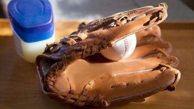 Photo of چگونگی نگهداری و مراقبت از دستکش های بیسبال