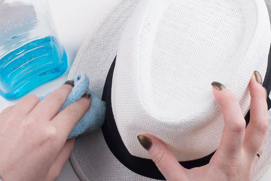 9 تمیز کردن کلاه آفتابی