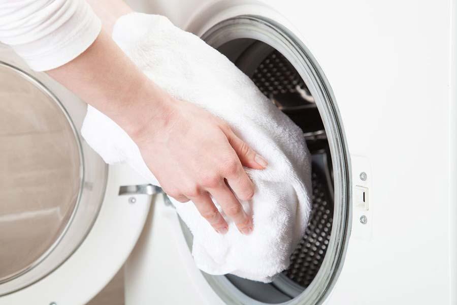 9 از بین بردن لکه جوهر داخل لباسشویی