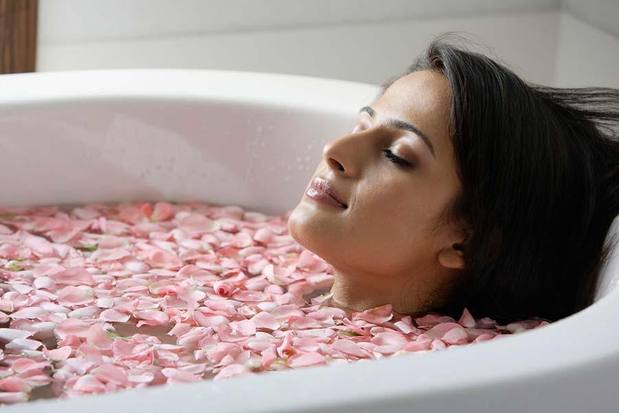 8 رایحه درمانی در حمام