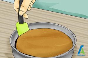 2 جدا کردن کیک سوخته از قالب
