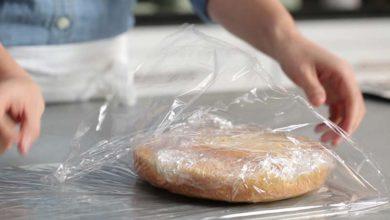 Photo of چگونه از پلاستیک سلفون به راحتی و بدون چسبندگی استفاده کنیم؟