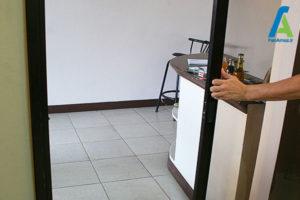 13 تمیز کردن درهای کشویی