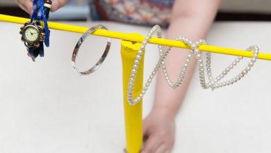 Photo of چگونه یک استند یا جا النگو، ساعت و دستبند بسازیم؟