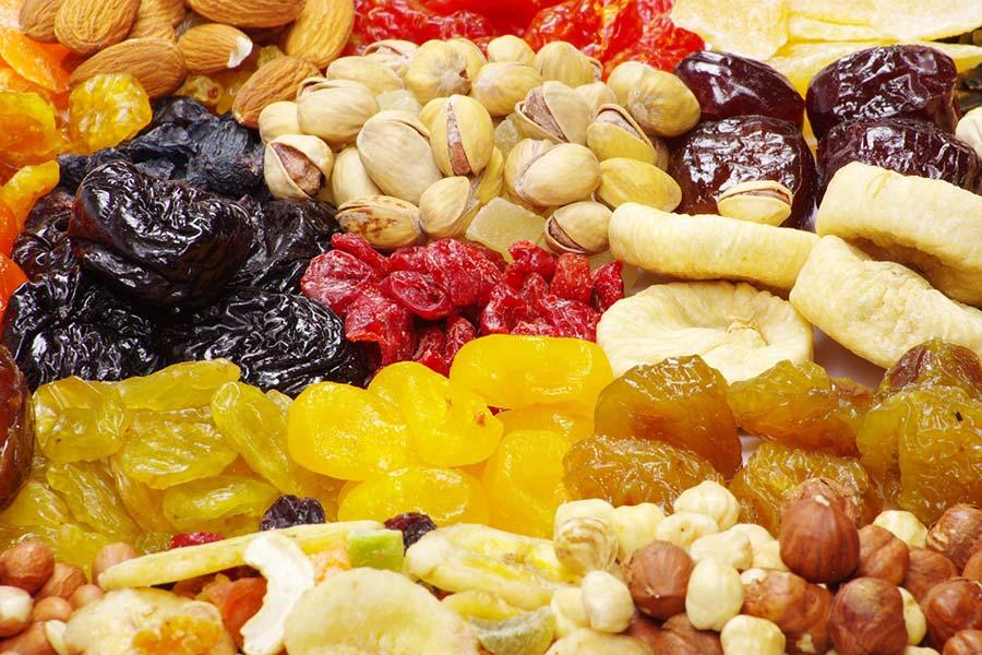 3 رفع مشکلات گوارشی با میوه های خشک