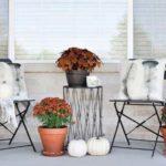 3 طراحی و تزئین ورودی منزل به سبک پاییزی