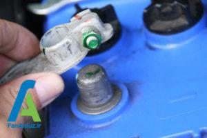 3 پاک کردن رسوبات سر باتری خودرو