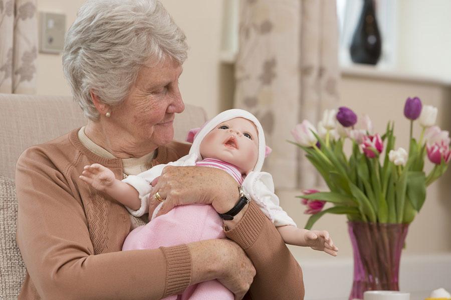 2 عروسک درمانی
