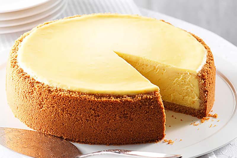 4 جلوگیری از ترک خوردن کیک پنیری