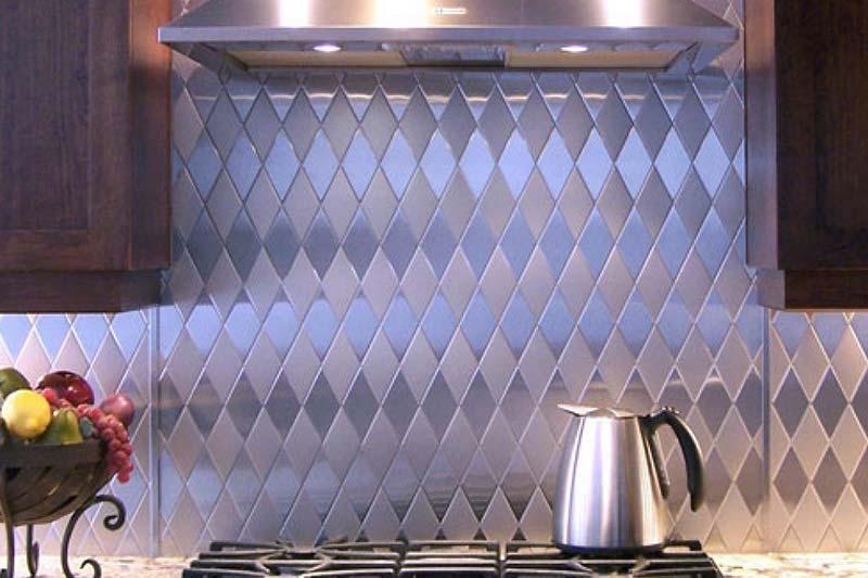 4 تمیز کردن کاشی فلزی و استیل