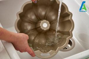 5 نحوه شستن قالب کیک