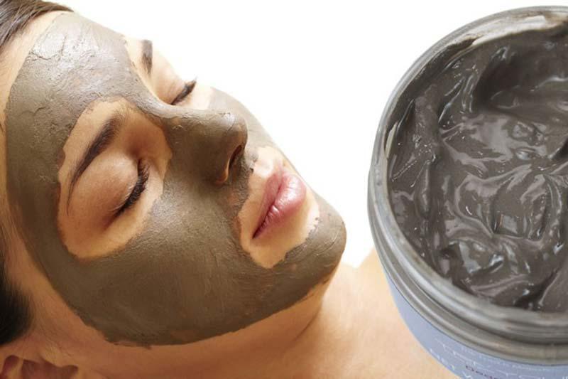 5 نحوه استفاده از لجن دریا برای پوست