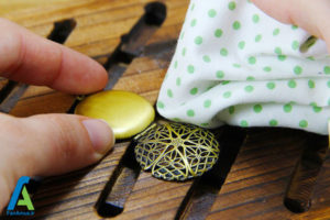 5 تمیز و براق کردن جواهرات برنجی