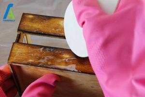 3 پاک کردن لکه چوب