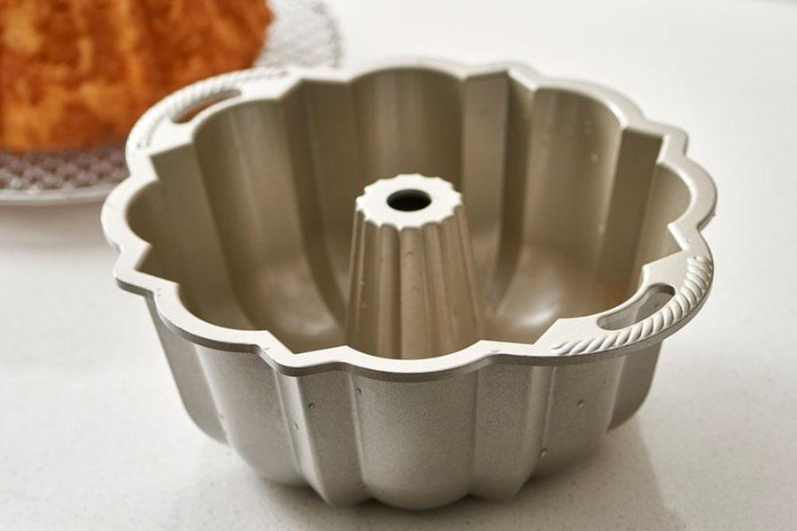 7 نحوه شستن قالب کیک