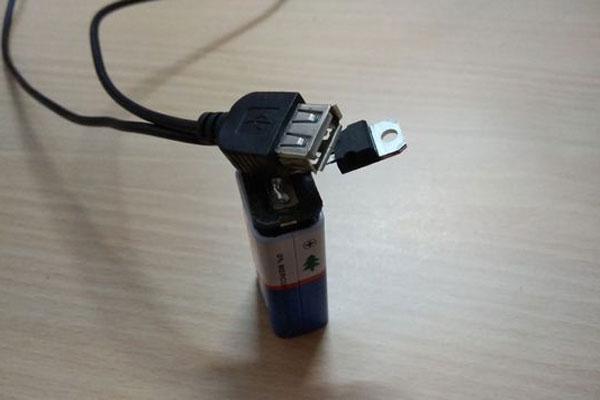 7 ساخت شارژر موبایل با باتری