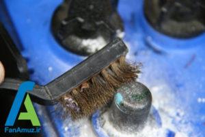 7 پاک کردن رسوبات سر باتری خودرو