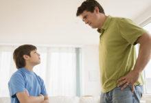 Photo of با والدینی که بیش از حد کنترلتان می کنند چگونه کنار بیایید؟