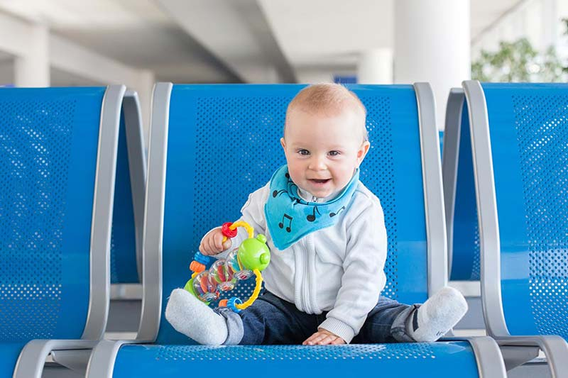 8 اسباب بازی مناسب کودک در سفر