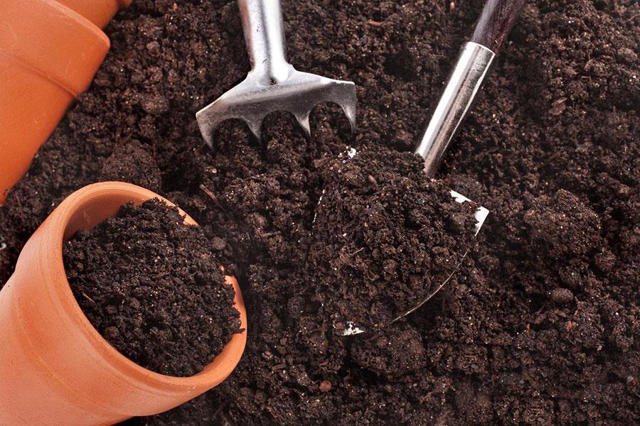 9 تقویت خاک یا کمپوست