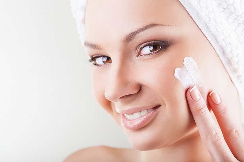 9 متعادل کردن و تنظیم PH پوست صورت
