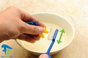 3 ضدعفونی و تمیز کردن گوش گیر سیلیکونی