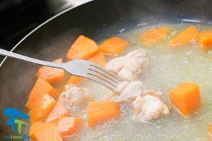 3 طرز تهیه خوراک پوره مرغ برای کودک