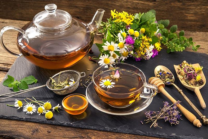 4 استفاده از دمنوش گیاهی برای کاهش التهاب