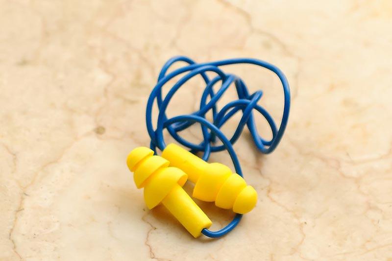 6 ضدعفونی و تمیز کردن گوش گیر سیلیکونی