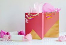 Photo of چگونه هدیه و کادو را در ساک دستی کاغذی یا بگ تزئین کنیم؟