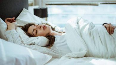 Photo of روش های اصولی و صحیح خوابیدن به پشت