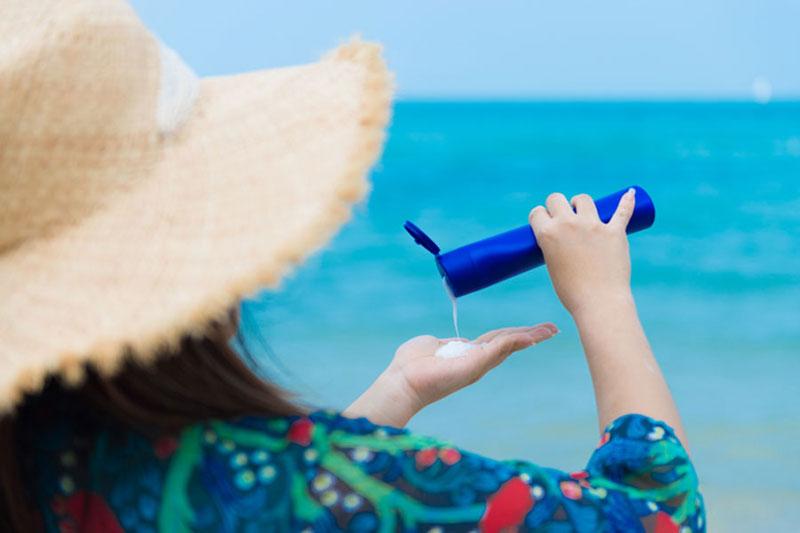 2 تشخیص خراب بودن کرم ضد آفتاب