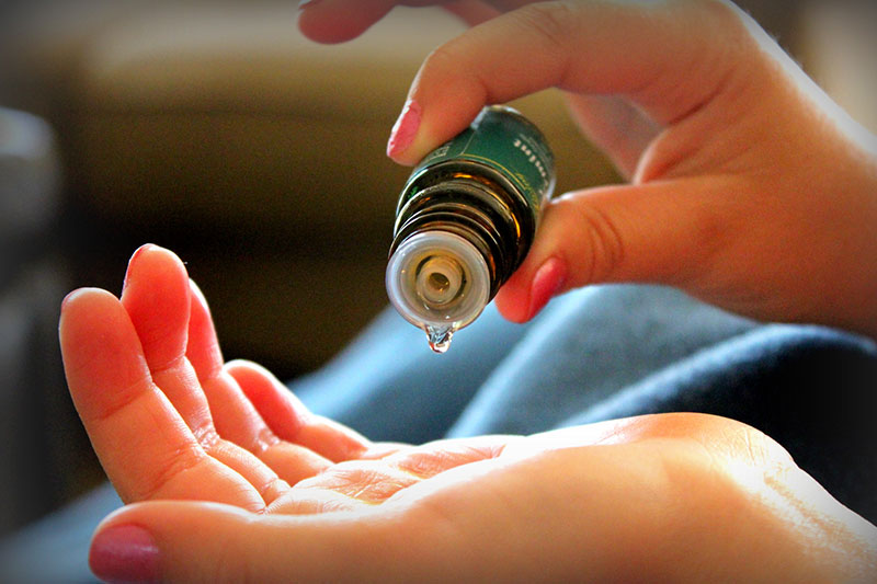 7 انواع اسانس روغنی برای درمان سوختگی