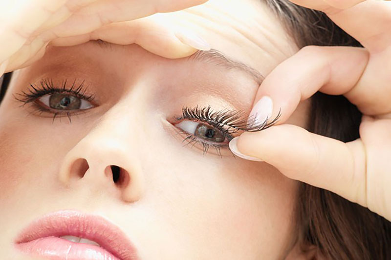 8 اصول گذاشتن مژه مصنوعی روی چشم