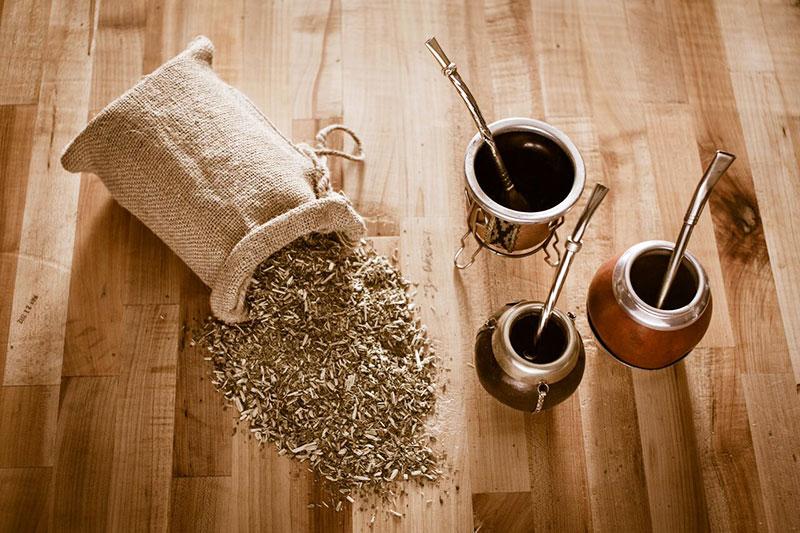 2 فواید و مضرات چای یربا ماته