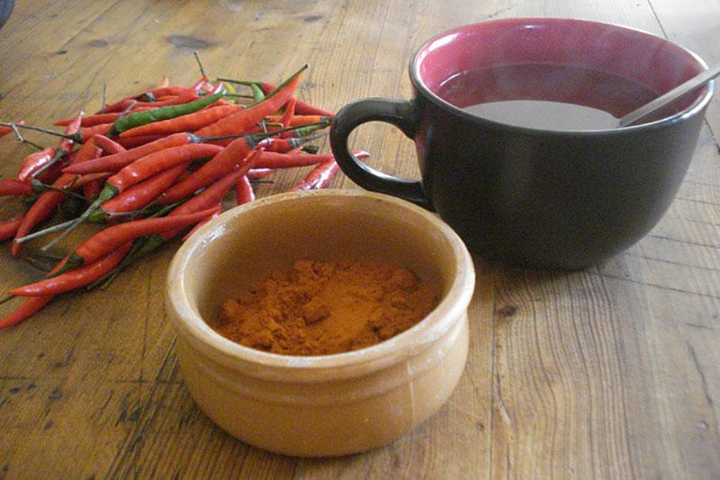 2 طرز تهیه چای فلفل کاین