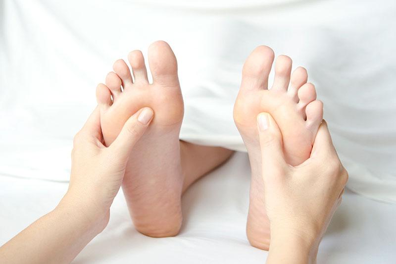 15 درمان فیبرومیالژیا با رفلکسولوژی پا