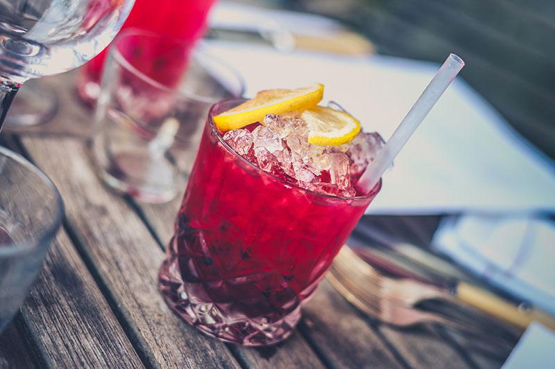 4 طرز تهیه انواع کوکتل و نوشیدنی