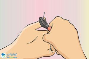 1 خارج کردن قلاب ماهیگیری از انگشت دست