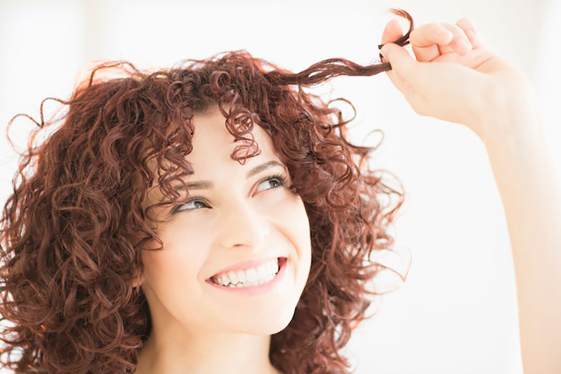 2 معرفی انواع روغن برای موهای فر