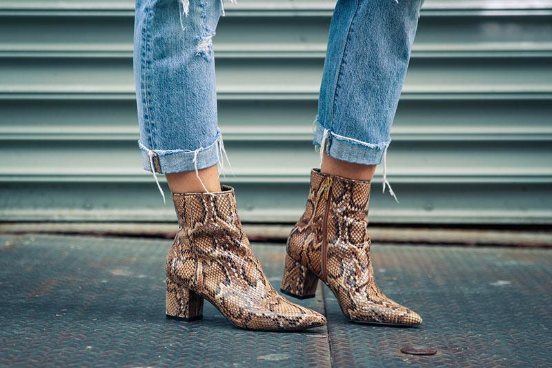 5 مراقبت از لباس و کفش از جنس پوست مار
