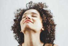 Photo of چگونه بوی مواد شیمیایی فر کننده موها را از بین ببریم؟