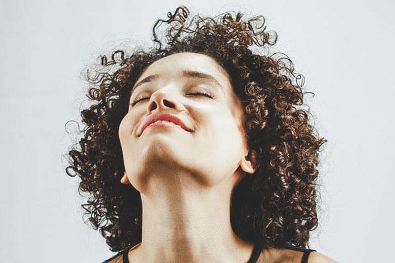 5 رفع بوی مواد شیمیایی فر کننده مو