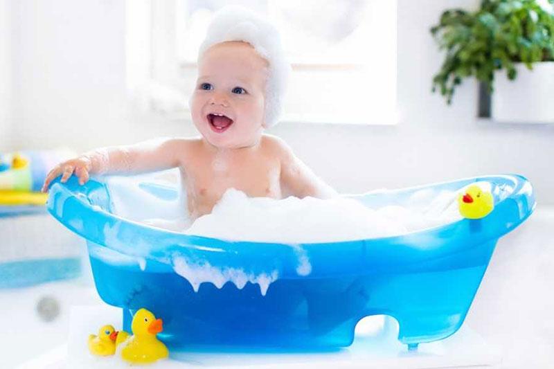 7 افزایش اشتیاق کودک به حمام