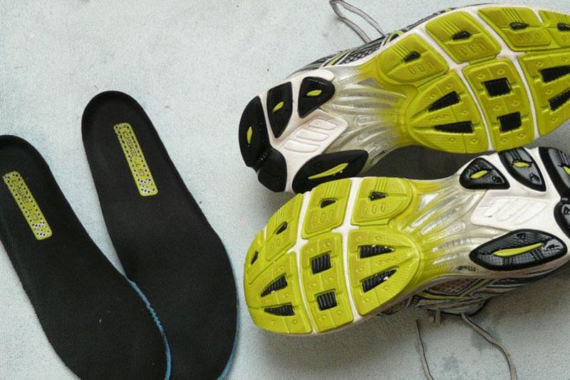 10 از بین بردن صدای کفی ارتوتیک کفش