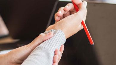 Photo of روش های جلوگیری و تسکین درد دست در اثر نوشتن زیاد