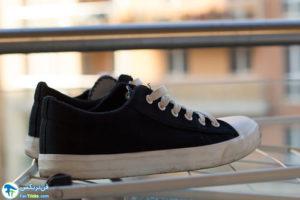 4 اصول تمیز کردن کفش تخت کالج