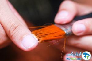 5 پاک کردن لاک ناخن از اطراف ناخن ها